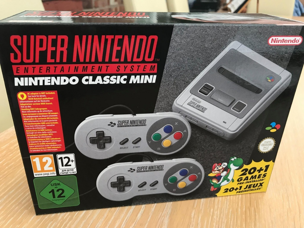 Image for Lots of Nintendo Classic Mini: SNES Photos