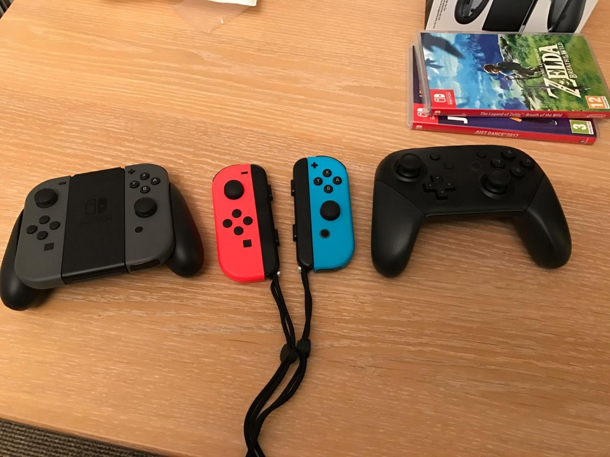 Tech Up! Nintendo Switch Pro Controller Review Page 1 - Cubed3
